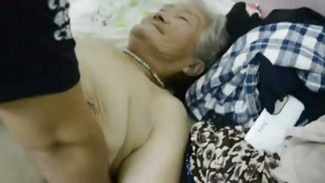 讨厌的青少年1裸体恢复从肛门手术