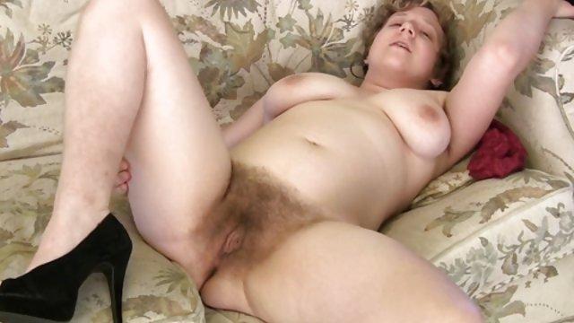 性感的成熟的阴唇一个毛茸茸的 地方